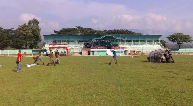 Atraksi yang ditampilkan personil Satpol PP Kabupaten Solok