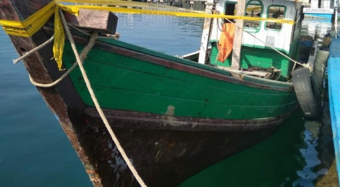 Kapal yang ditangkap menggunakan pukat harimau