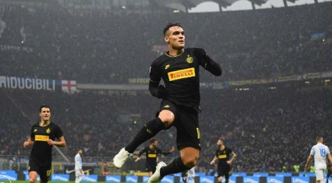 Inter meraih posisi puncak klasemen sementara