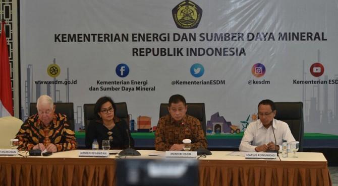 Konferensi pers Tim Perundingan Pemerintah dan PT Freeport Indonesia, di Kantor Kementerian ESDM, Jakarta.