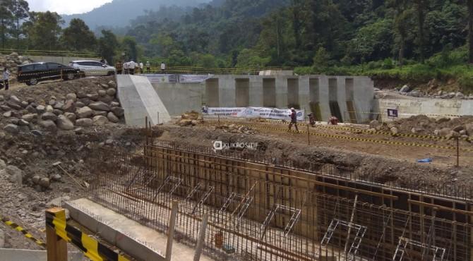 Check Dam Pengendali Sedimen Batang Kuranji yang terletak sekitar 500 meter dari Unand arah ke Hutan