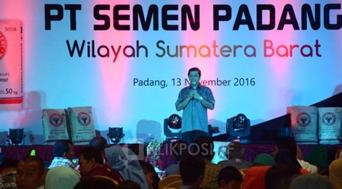 Dirut PT Semen Padang, Benny Wendry saat acara Temu Pelanggan PT Semen Padang Wilayah Sumatera Barat