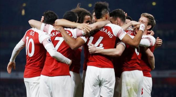 Selebrasi para pemain Arsenal