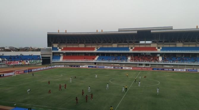 Suasana laga kedua Timnas Indonesia U19 pada International Friendly Match melawan Iran di Stadion Mandala Krida, Yogyakarta. (KLIKPOSITIF/Ade Suhendra)