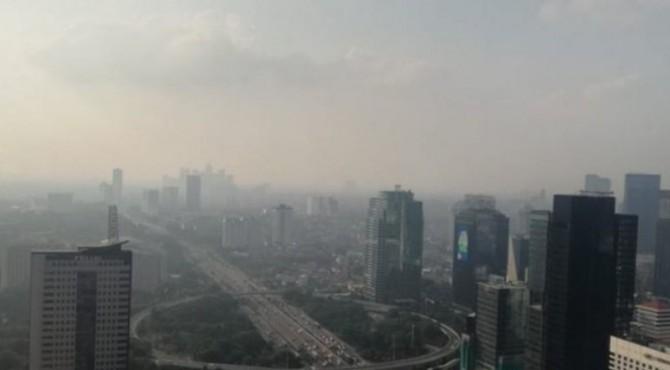 Gubernur DKI Jakarta, Anies Baswedan mengesahkan Instruksi Gubernur atau Ingub Nomor 66/2019 tentang Pengendalian Kualitas Udara di Jakarta, Kamis (1/8/2019).
