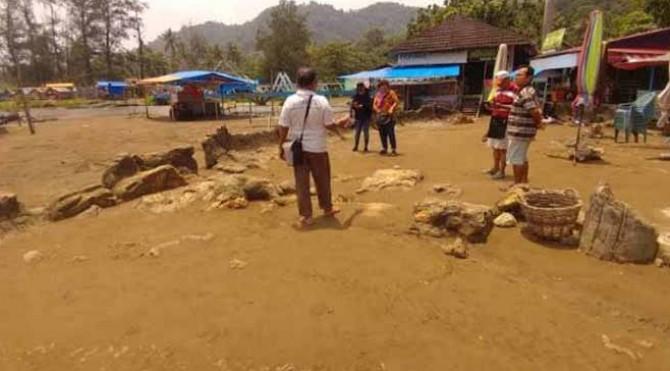 kawasan objek wisata batu Malin Kundang di Kota Padang