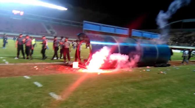 Ricuh semifinal Piala Soeratin 2017.