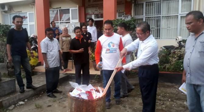 Pemusnahan surat suara oleh KPU Padang