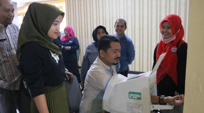 Cek kesehatan untuk penyakit tidak menulai bagi ASN di Balai Kota Payakumbuh.