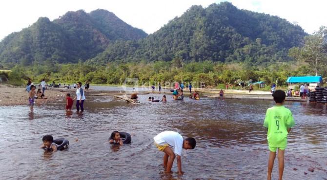 Suasana di Objek Wisata Kapalo Banda Taram di Kecamatan Harau, Rabu (13/07/2016)