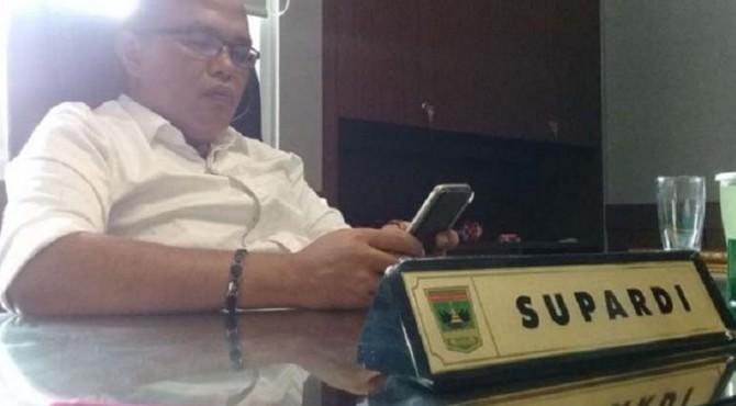 Ketua Dewan Perwakilan Rakyat Daerah (DPRD) Sumatera Barat Supardi meminta alasan kuat soal pemindahan kegiatan PENAS Petani Nelayan tahun 2020