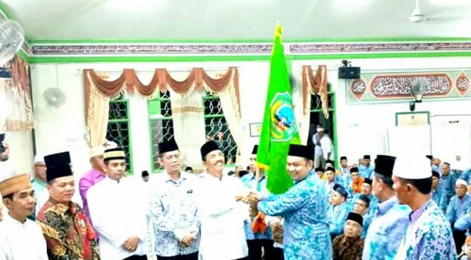 Bupati Pasaman, Yusuf Lubis melepas secara resmi Jemaah Calon Haji.