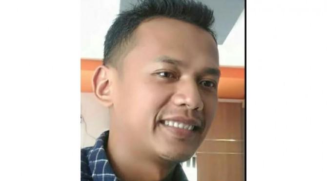 Komisioner KPU Kabupaten Solok, Defil.
