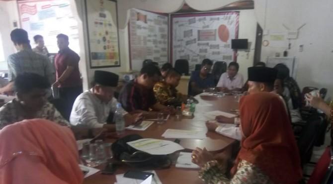 Bawaslu Pesisir Selatan menggelar Rakornis dengan Anggota Panwascam se-Pessel Terkait Penindakan Pemilu