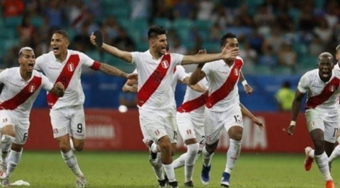 Selebrasi pemain Peru