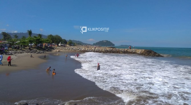 Pinggir pantai Kota Padang