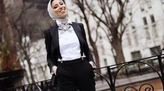 Urusan busana wawancara kerja memang susah-susah gampang. Selain harus terlihat profesional, kamu juga tak boleh sembarangan memilih pakaian.