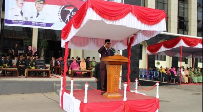 Wakil Bupati Pasaman Atos Pratama sedang memimpin Upacara Peringatan Hari Pahlawan Ke-7