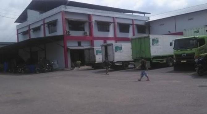 Pabrik SMS di Padang Pariaman tampak masih beroperasi
