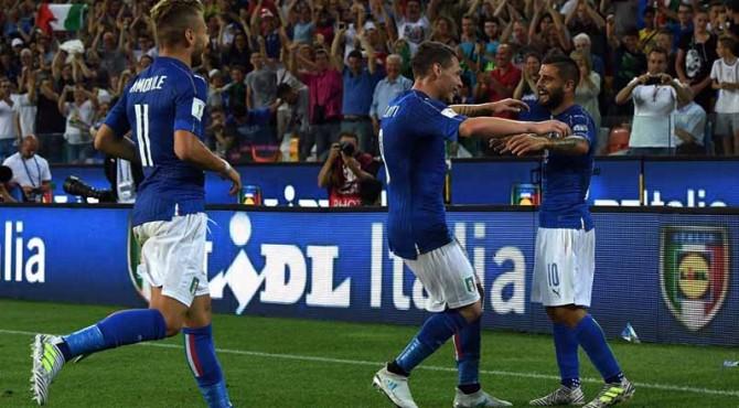 Pemain Timnas Italia rayakan kemenangan besar mereka atas Liechtenstein.