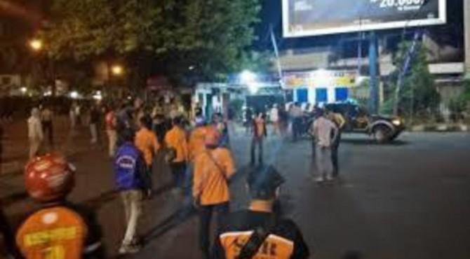 Peristiwa bom bunuh diri di Pospam Kartasura, Jawa Tengah.