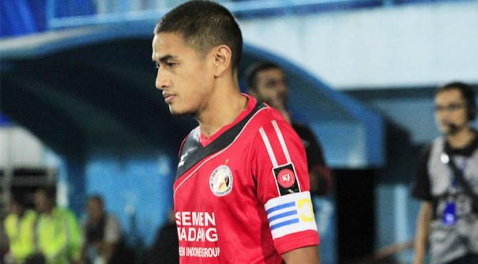 Hengki Ardiles ketika masin jadi pemain Semen Padang FC.