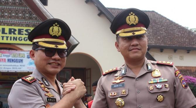 AKBP Arly Jembar Jumhana (kiri), AKBP Iman Pribadi Santoso (kanan)