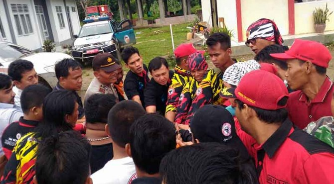TRC Semen Padang sebelum keberangkatan menuju Nagari Gelugur mengantar Sembako dan melakukan asesmen kebencanaan