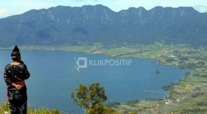 Danau Maninjau dari ketinggian