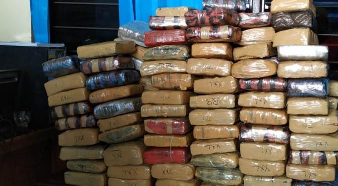 Paket ganja yang ditemukan di Limapuluh Kota