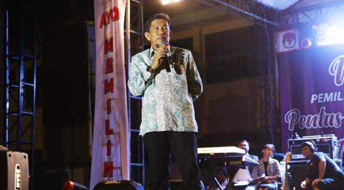 Sekda kota Solok, Rusdianto meminta penyelenggara bekerja profesional dalam melaksanakan setiap tahapan pemilu serentak 2019 di kota Solok