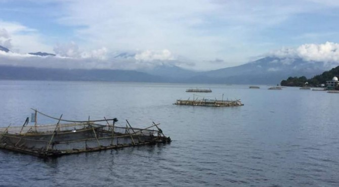 Keramba danau Singkarak