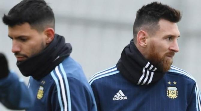 Lionel Messi dan Aguero akan menjadi andalan Argentina di lini depan