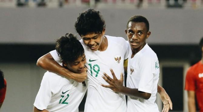 Selebrasi pemain Timnas U-15 usai mencetak gol