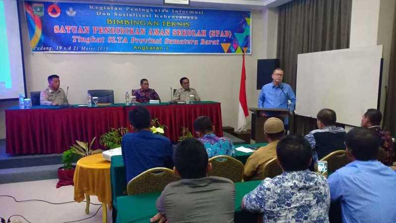 Sekolah aman bencana angkatan 1 yang digelar BPBD Sumbar di Padang