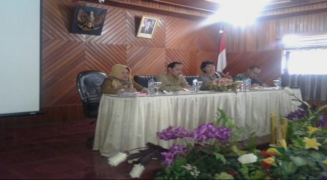 Wawako Solok Reinier rapat koordinasi dengan satgas saber pungli kota Solok