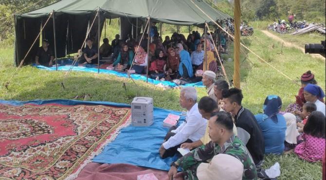 Kegiatan pengabdian masyarakat Unand di desa Lumbuang Bukik, Pauh, Padang.