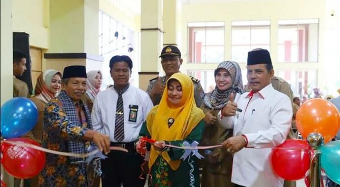 Wakil Walikota Solok, Reinier membuka pameran lomba foto wisata dan Ekraf kota Solok 2019