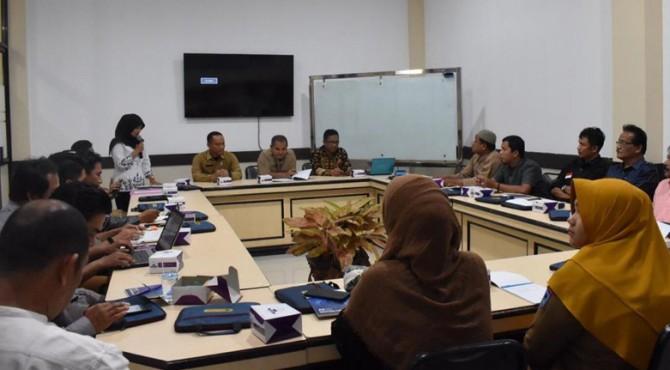 Penyuluhan penggunaan bahasa media luar di Balai Kota Payakumbuh.