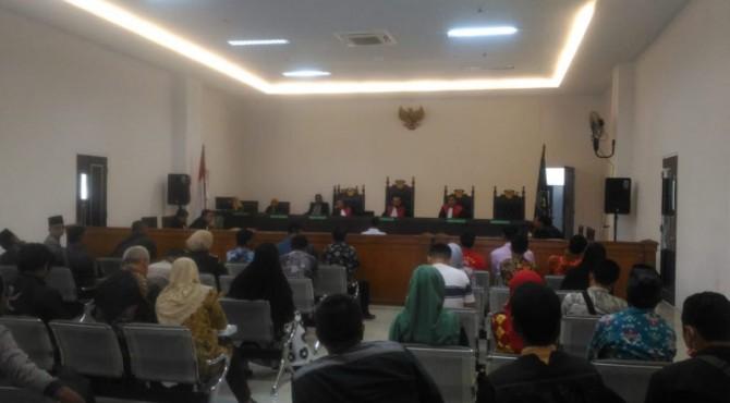 Suasana sidang Wabup Pessel di Pengadilan Negeri Kelas 1 A Padang, Kamis 19 Desember 2019