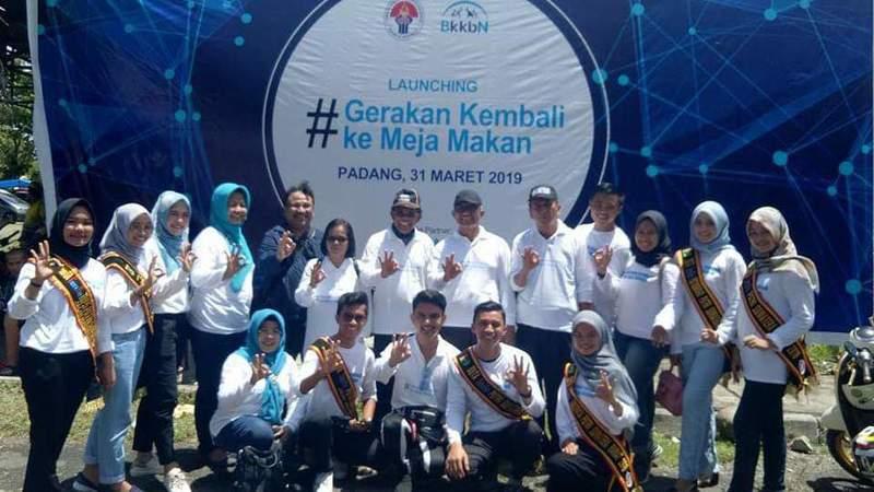 Launching gerakan Kembali ke Meja Makan di Gor Haji Agus Padang, Minggu, 31 Maret 2019