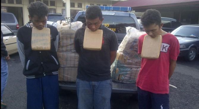 Tiga pengedar ganda kering yang berhasil diamankan tim gabungan Polres Pasaman.