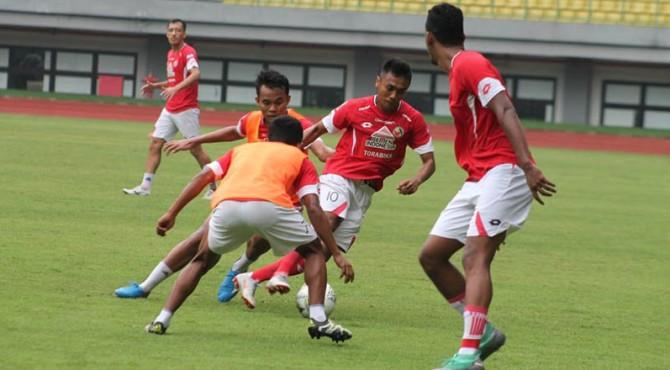 Pemain Semen Padang FC menggelar latihan beberapa waktu lalu.
