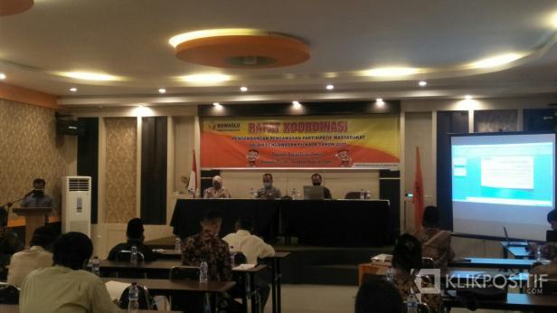 Rapat Koordinasi Pengembangan Pegawasan Partisipatif Masyarakat di Hotel Hannah Syariah Painan