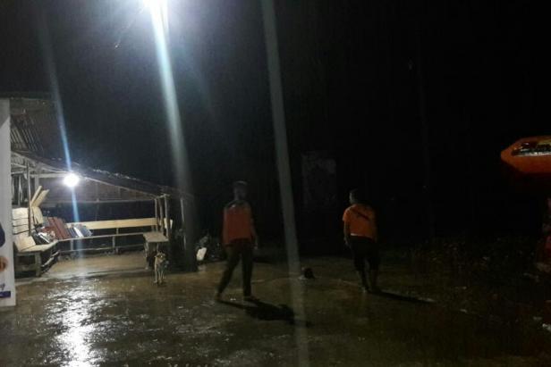 Tim BPBD Pessel masih bersiaga di lokasi banjir