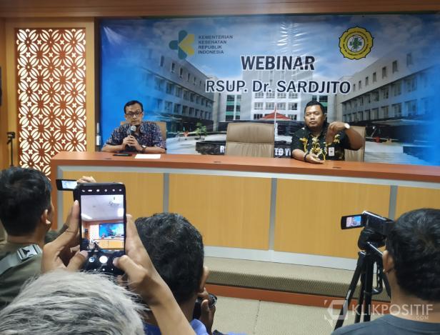 dr. Munawar Gani, Sp.P saat konferensi pers di RSUP Dr Sardjito, Yogyakarta