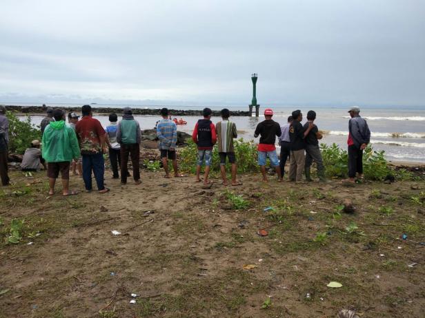 Proses pencarian nelayan di Pessel yang hilang