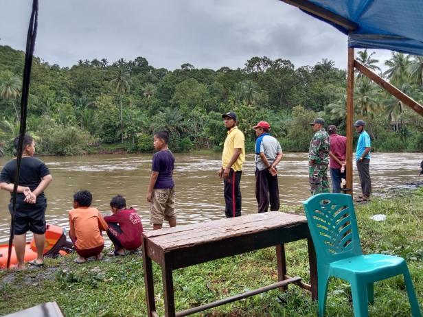 Pencarian remaja yang dilaporkan tenggelam di Batang Timbulun, Aur Duri Surantih-Pessel
