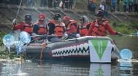 TRC Semen Padang membersihkan Sungai Batang Arau dari sampah