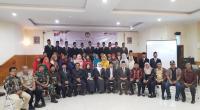 Komisioner KPU Solsel serta tamu undangan foto bersama usai pelantikan 35 anggota PPK di daerah itu, Sabtu